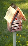 Heartwood Lady Bug House w/ Mounting Pole, Red